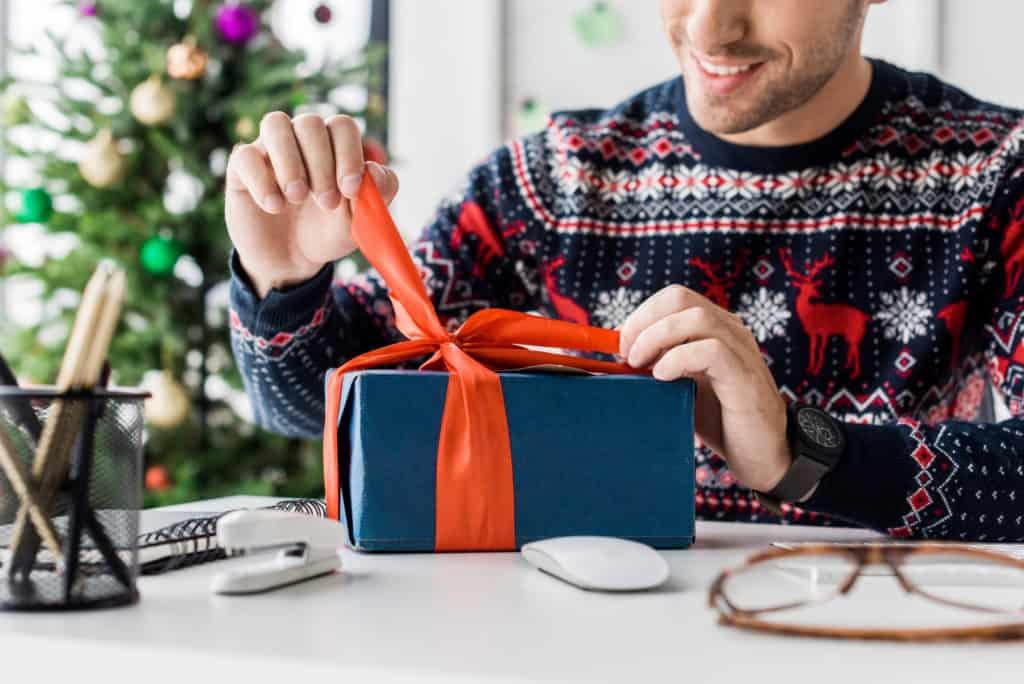 send him a present